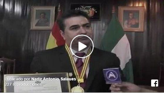 Dr. Nadir Salaues recibe reconocimiento de la Camara de Diputados